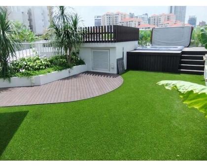 Искусственная трава высотой 20мм; ширина 1,8м; длина 36,4м;