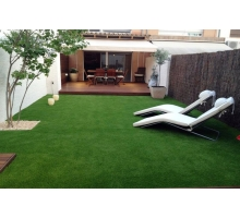 Искусственная трава высотой 30мм; ширина 2м; длина 25м;
